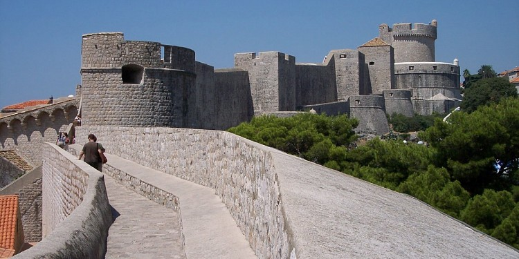 walls_of_dubrovnik.jpg